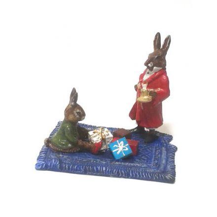 Hasen auf Teppich/Geschenke