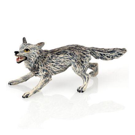 Wolf angreifend