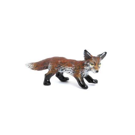 Fuchsbaby stehend
