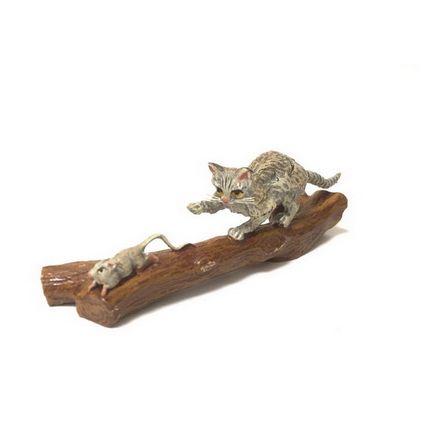 Katze Baumstumpf/Maus