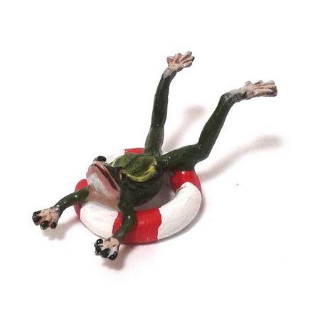 Frosch im Schwimmreifen